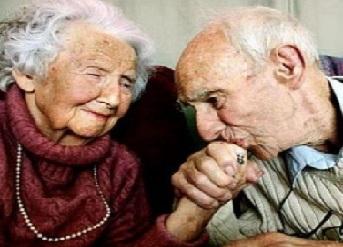 """Aşk Hikayesi; """"Elli Yıllık Kibarlık"""""""
